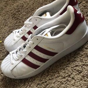 I am selling the adidas men superstars